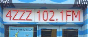 4ZZZ 102.1FM sign