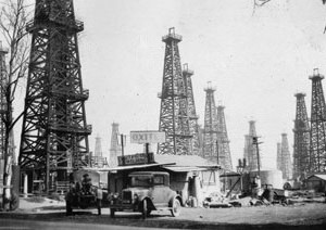 Reference photo of Signal Hill, California during 1926 oil rush.