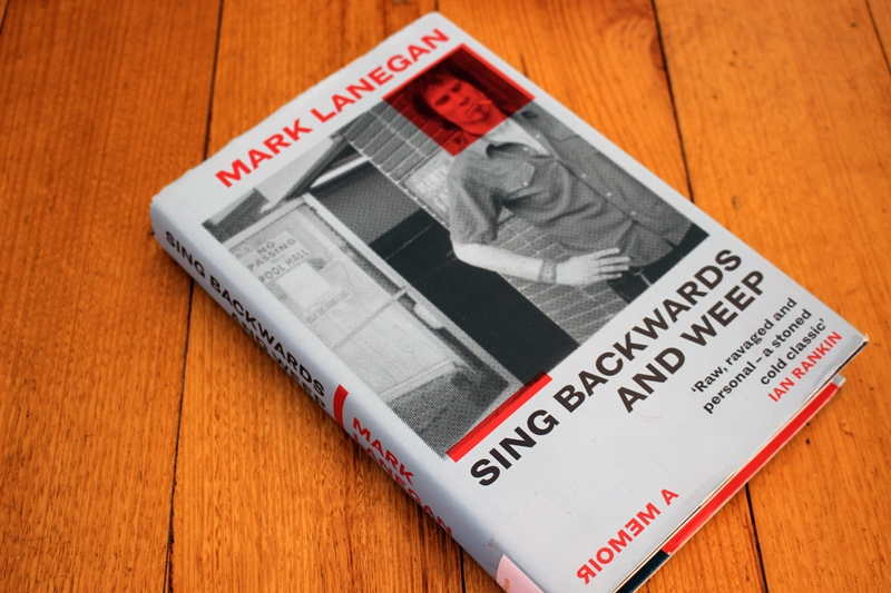 Mark Lanegan - Sing Backwards and Weep - book cover on table